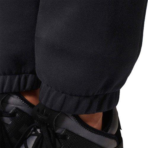 Spodnie Adidas Originals Winter D-Sweat Pants męskie dresowe sportowe